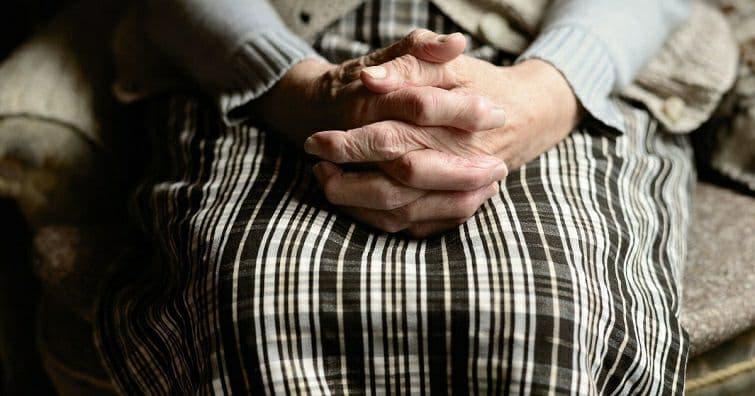 67-річна пенсіонерка з Краматорська перерахувала «онукові» 4200 грн
